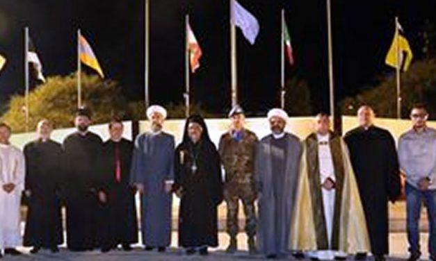 Davanti alla Madonna, insieme cristiani e musulmani