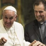 Papa Francesco, exallievo salesiano, si rivolge ai Salesiani di oggi